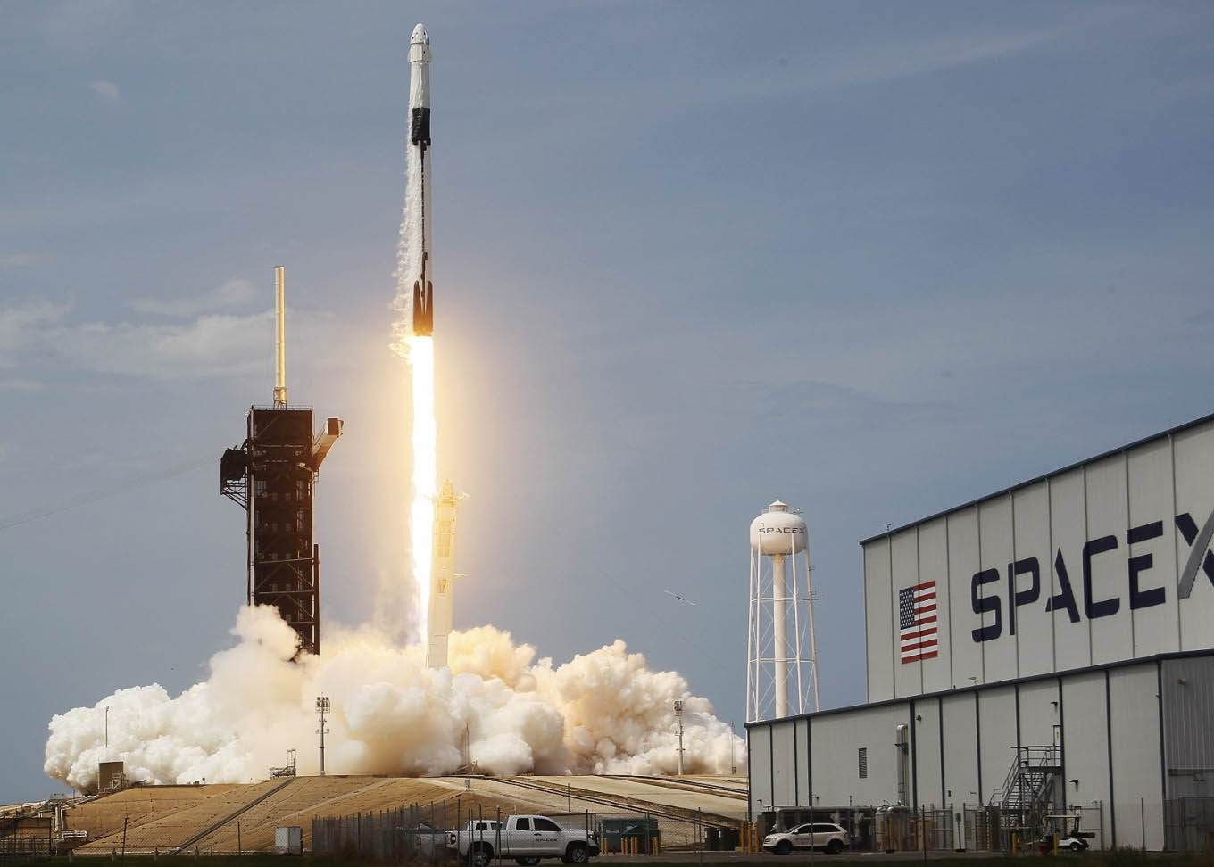 US Made History by Sending Human into Space from SpaceX's Private Rocket